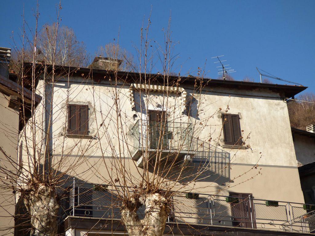 Dongo Appartamento con Balcone Vista Lago