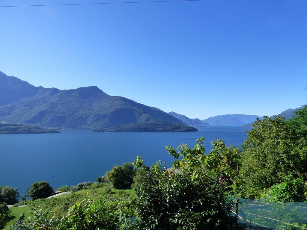 Domaso Casa con Terreno e Vista Lago Como