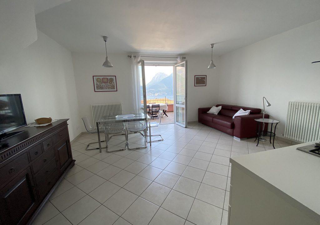 San Siro appartamento con piscina e terrazzo vista lago