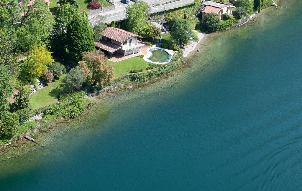 Villa Indipendente Fronte Lago di Como – Abbadia Lariana–
