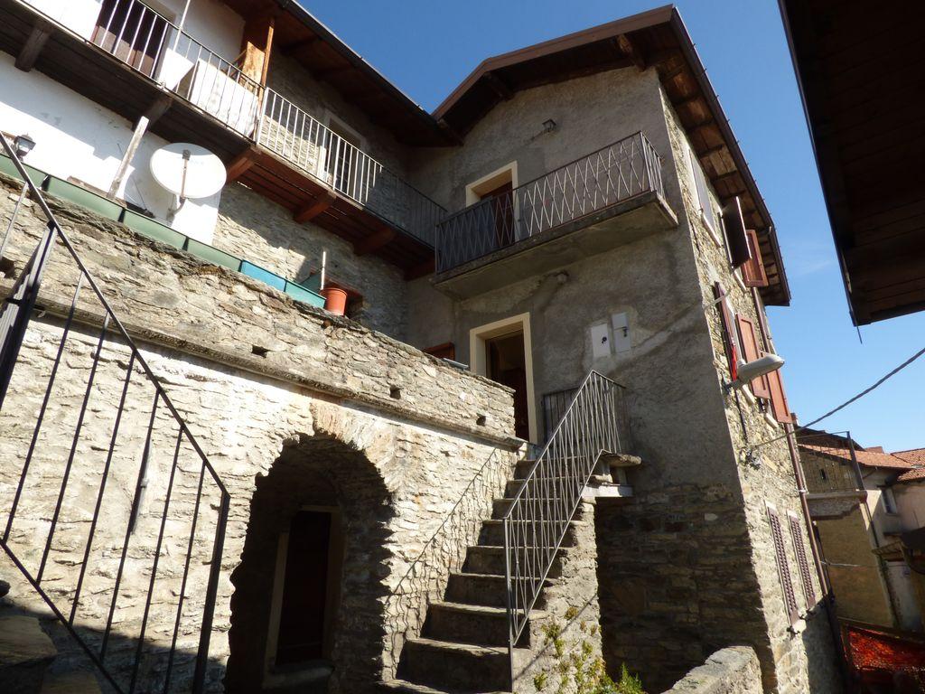 Case con Terrazzo e Vista Lago San Siro Lago Como
