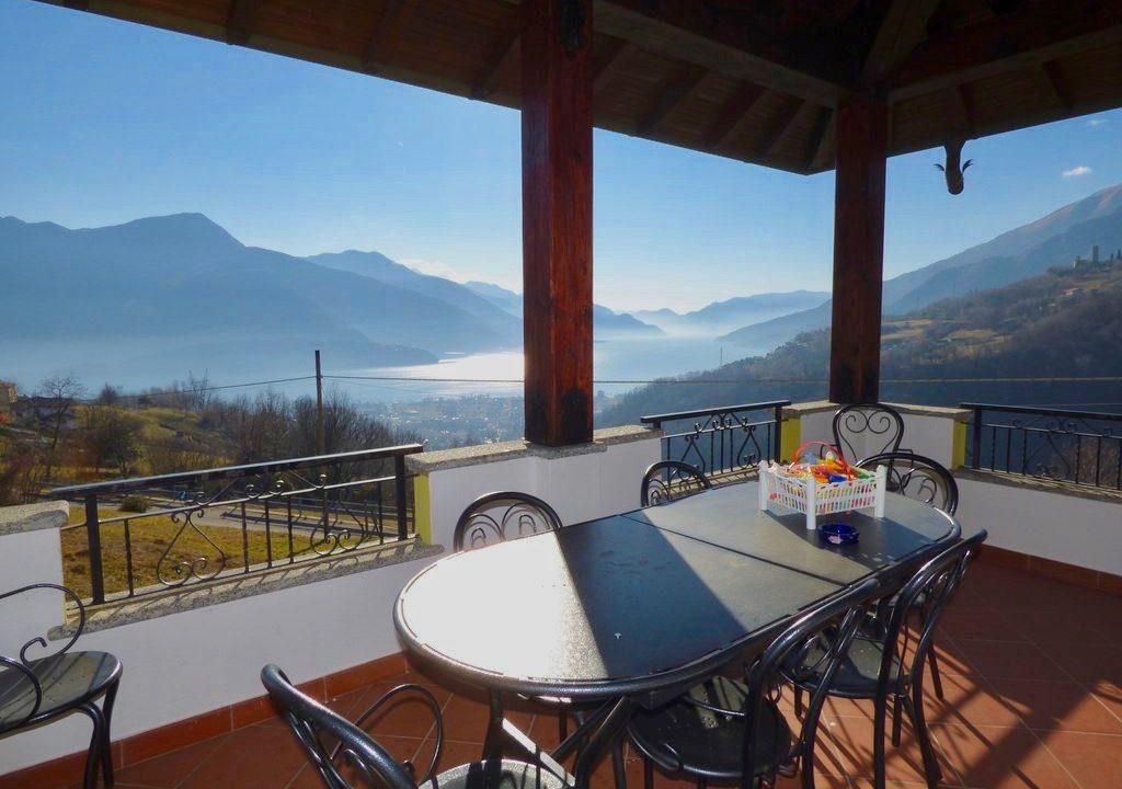 Villa Indipendente Gravedona ed Uniti - terrazzo
