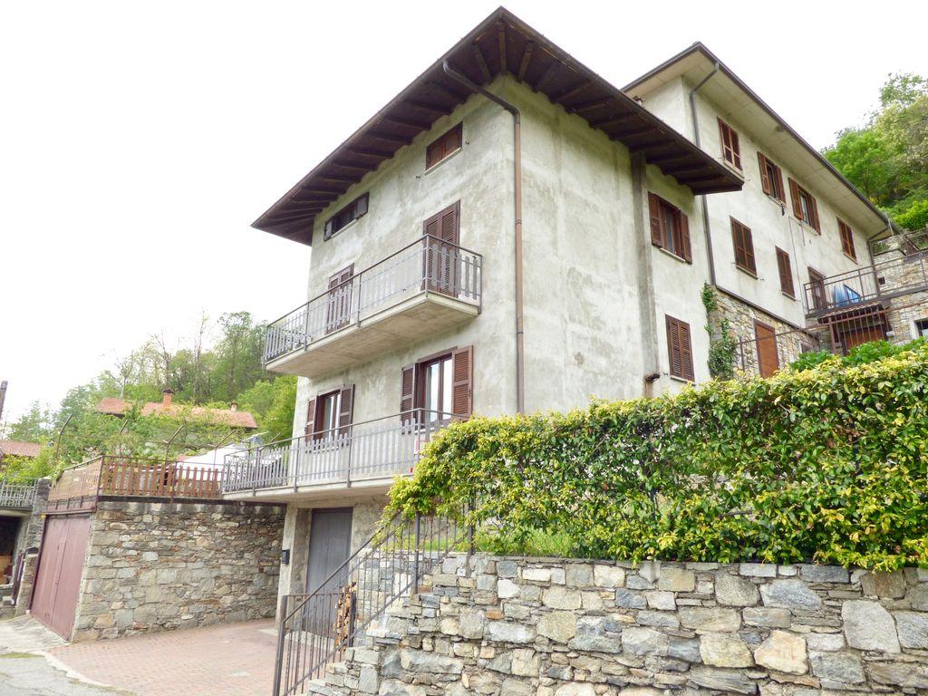 Casa Indipendente Sorico Lago Como con Terreno