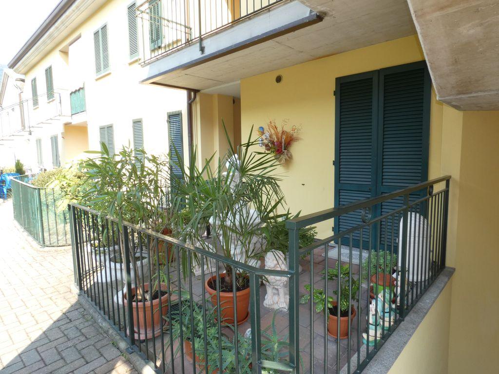 Appartamento Gravedona ed Uniti con Terrazzo