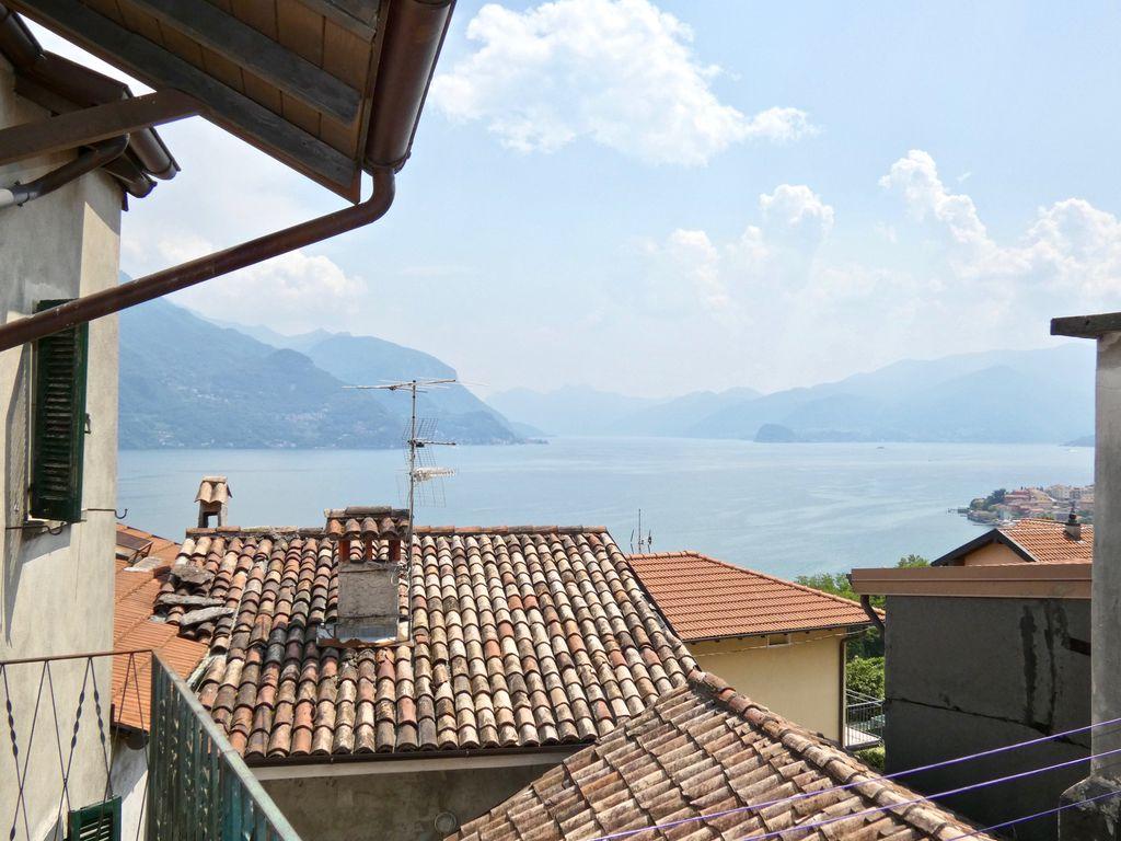 Casa Indipendente San Siro con Vista Lago
