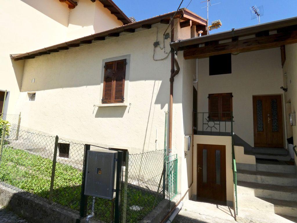 Casa con Giardino San Siro Lago Como