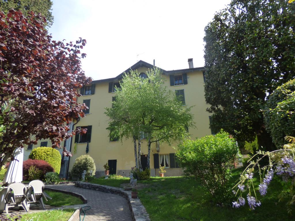 Appartamento Tremezzina in casa d'epoca con giardino