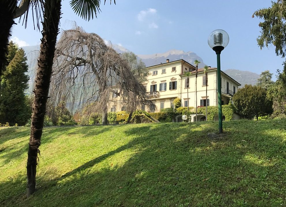 Appartamento Tremezzina in villa d'epoca fronte lago