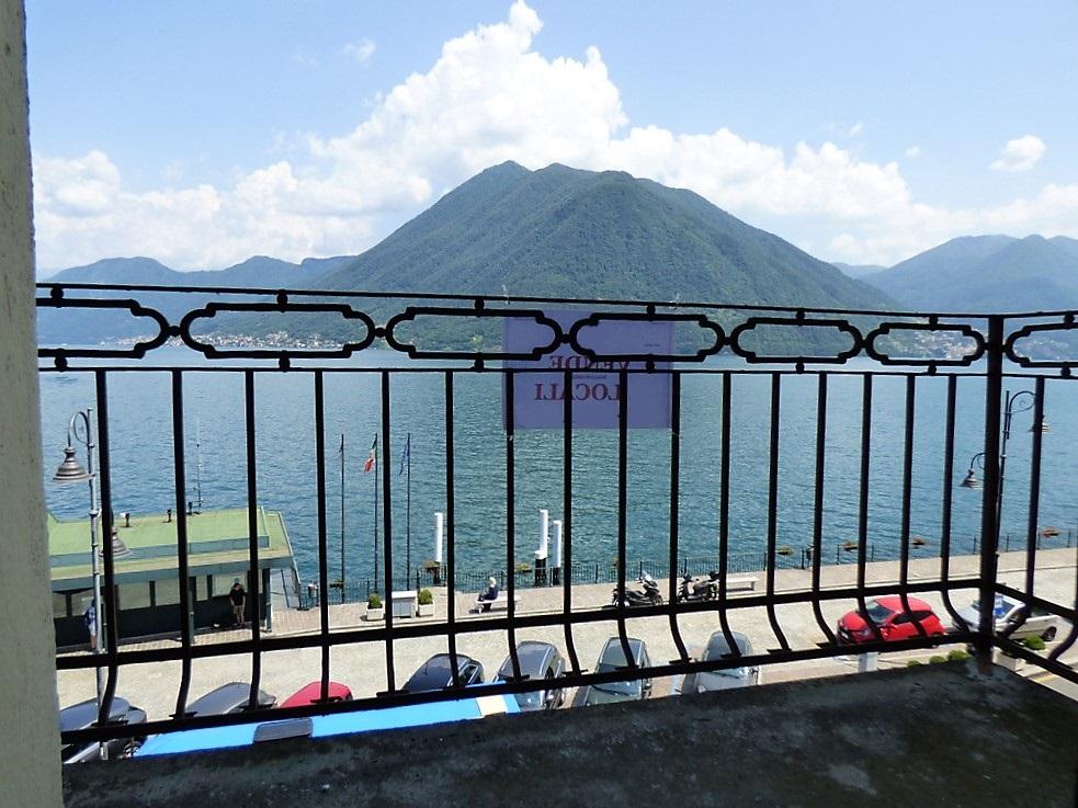 Appartamento Argegno Fronte lago con balcone