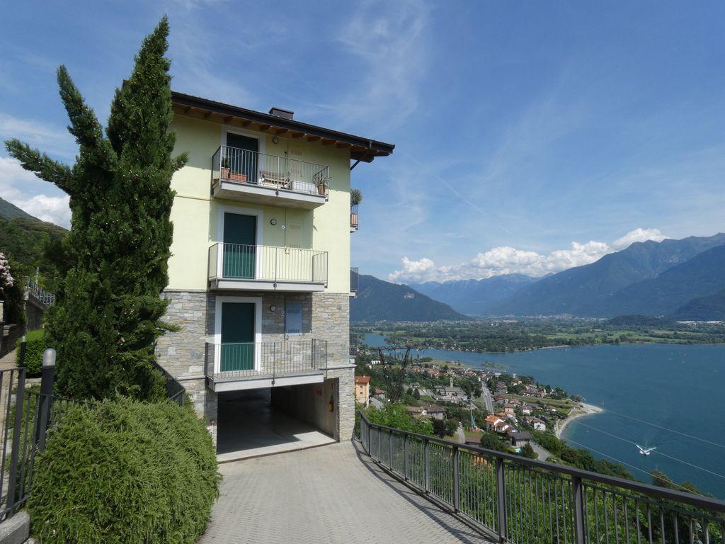 Appartamento con Terrazzo Lago Como Gera Lario