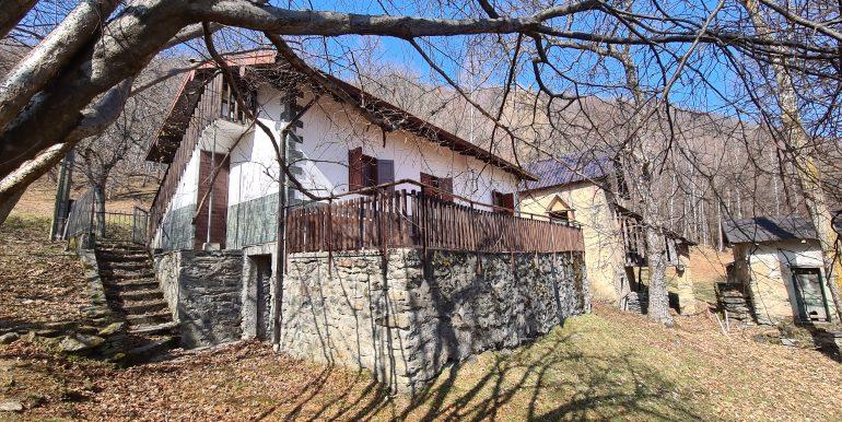 Casa Indipendente Dongo Collinare con Terreno