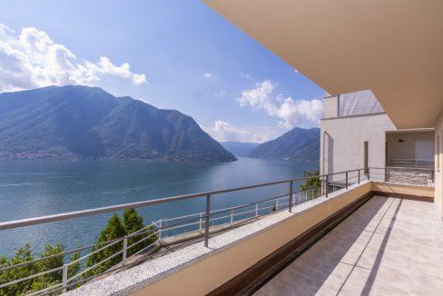 Rid. MC088 - Lago Como Colonno - Villa moderna vista lago (22)