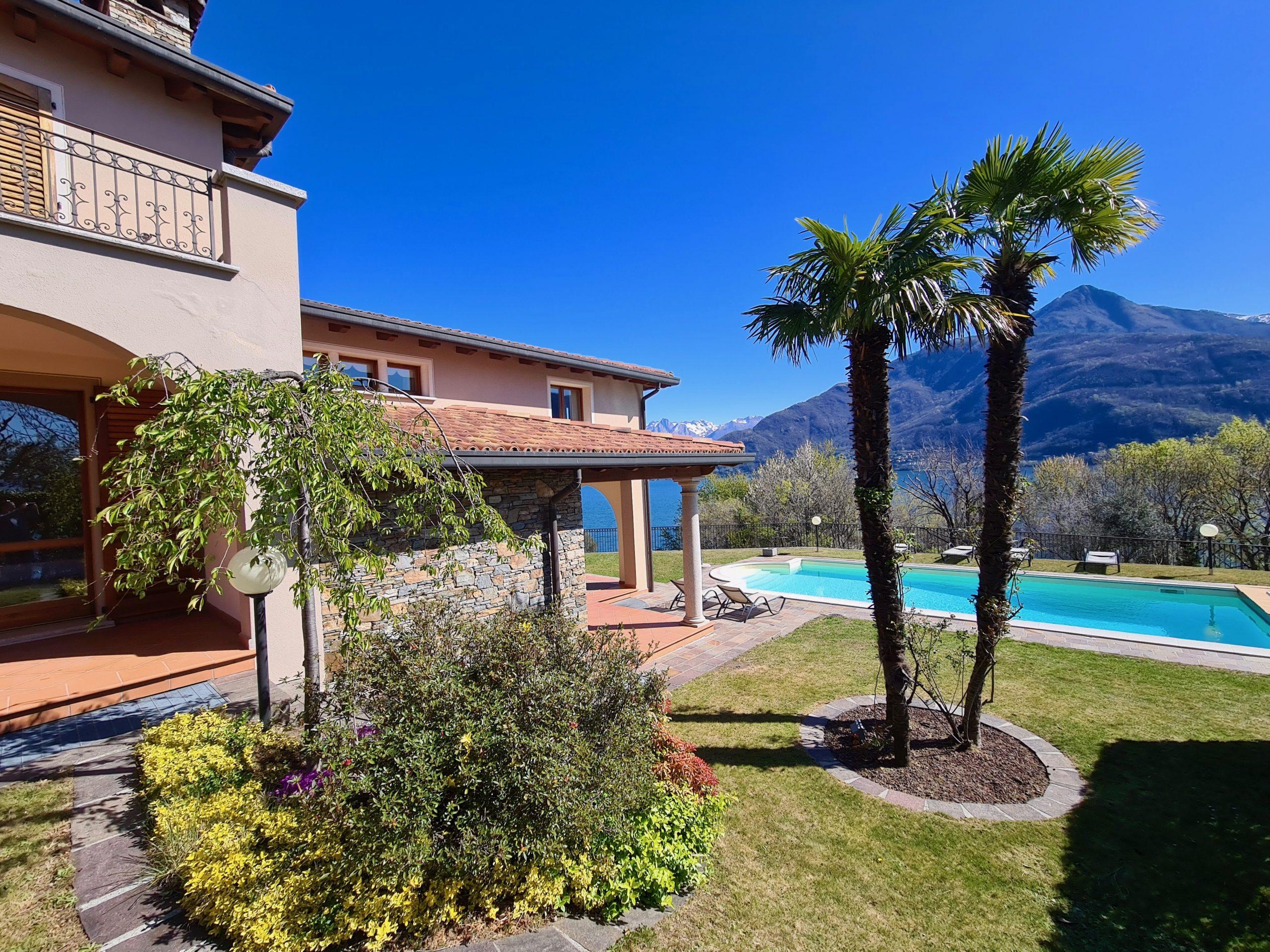 Lago Como Villa di Lusso con Piscina