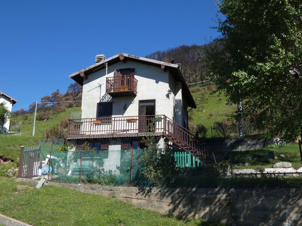Casa Indipendente Sorico Vista Lago Como