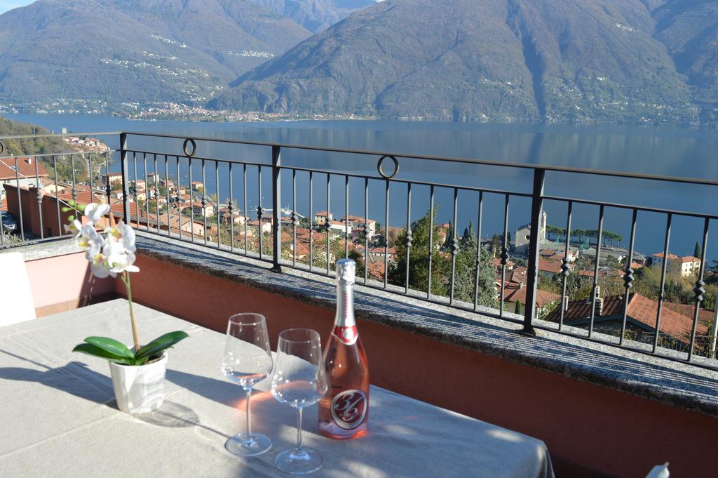 Appartamento San Siro vista Lago Como con piscina