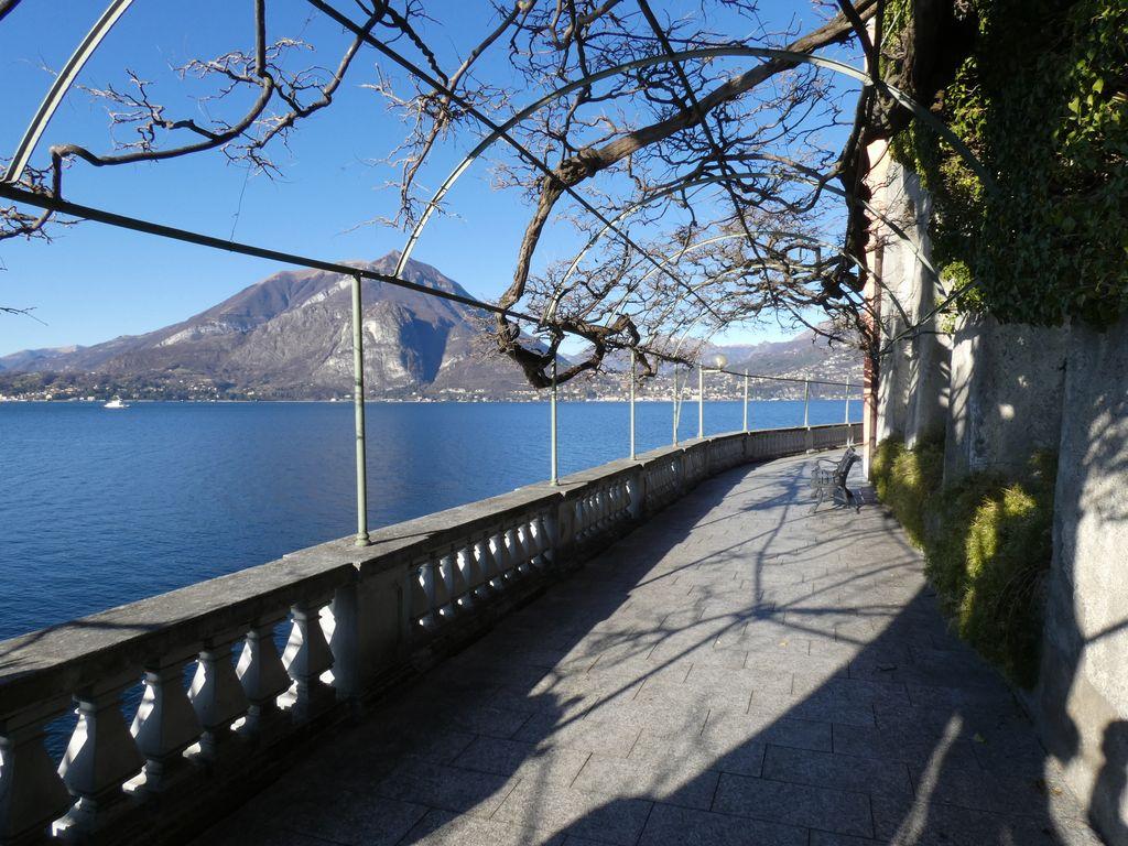 Lago Como Varenna Appartamento Fronte Lago