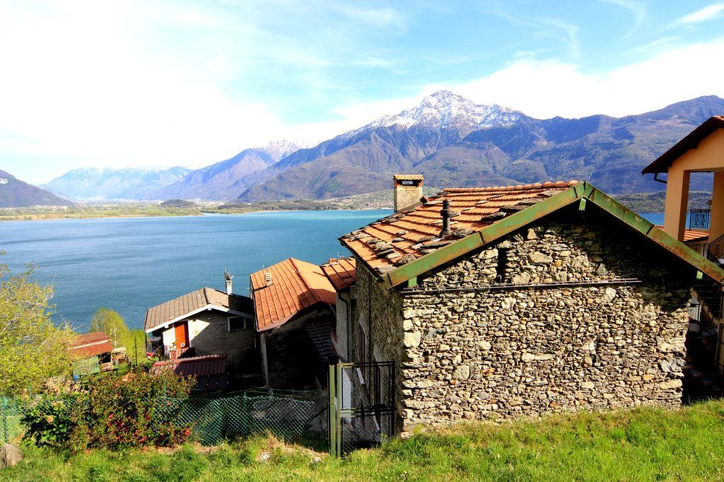 Casa Indipendente Vista Lago Domaso Collinare