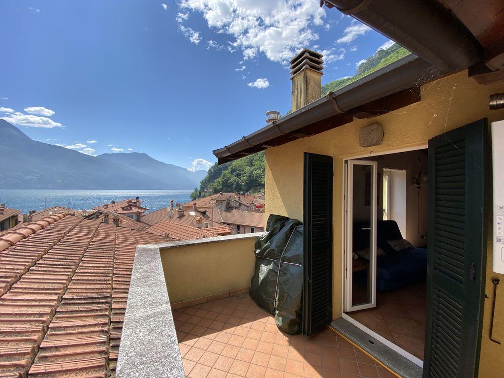 Appartamento con Terrazzo e Vista Lago di Como – Dongo