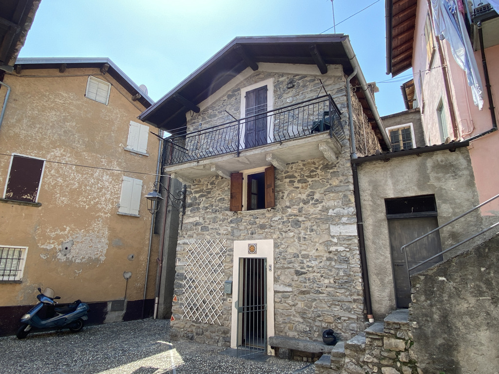 Casa Lago Como Tremezzina con balcone