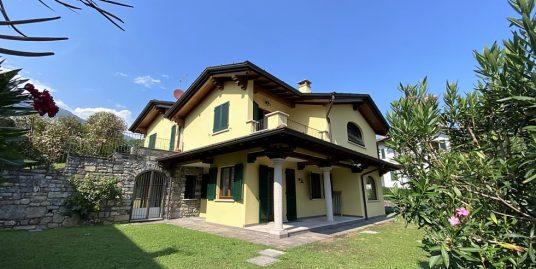 Villa Lago Como Menaggio con giardino