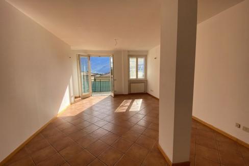 Gravedona ed Uniti Appartamento con Terrazzo e Garage - soggiorno