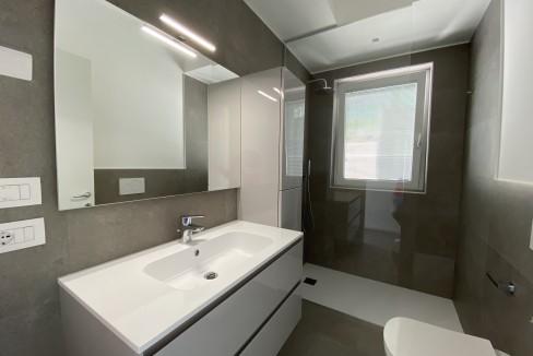 Lago Como Vercana Lussuoso Appartamento con Terrazzo - bagno
