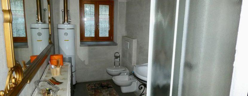 Gravedona ed Uniti Casa con Terreno Collinare - bagno