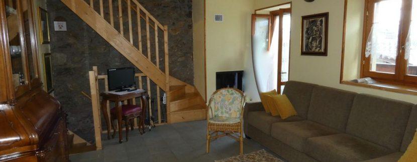 Gravedona ed Uniti Casa con Terreno Collinare - soggiorno