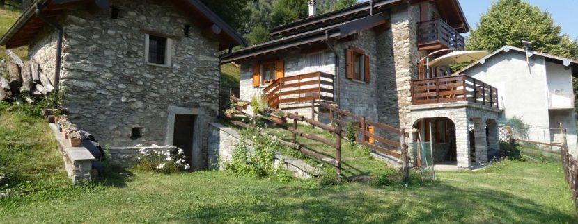 Gravedona ed Uniti Casa con Terreno Collinare - esterno