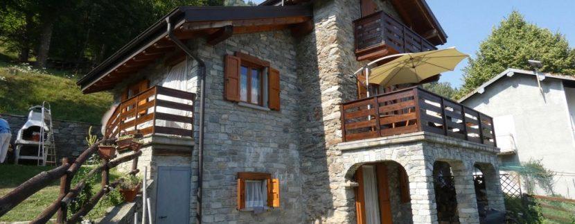 Gravedona ed Uniti Casa con Terreno Collinare - con rustico