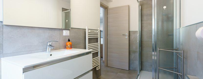 Lago Como Domaso Appartamenti Ristrutturati ed Arredati - bagno