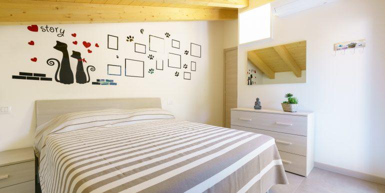 Appartamenti Arredati Domaso Lago Como - camera da letto