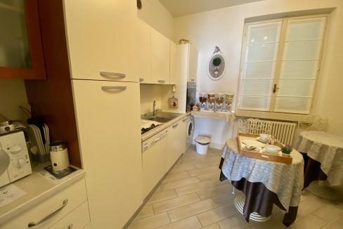 Villa Fronte Lago Como Dervio - cucina