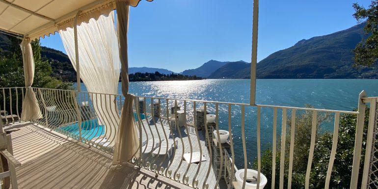 Villa Fronte Lago Como Dervio - terrazzo