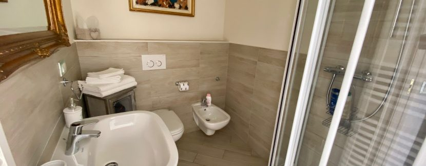 Villa Fronte Lago Como Dervio - bagno