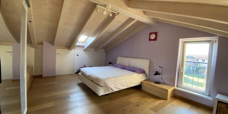 Lago Como Domaso Appartamento con Terrazzo - travi in legno