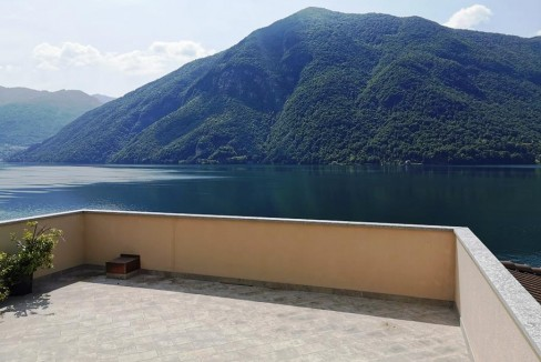 Lago di Lugano Valsolda Appartamento Fronte Lago - terrazzo