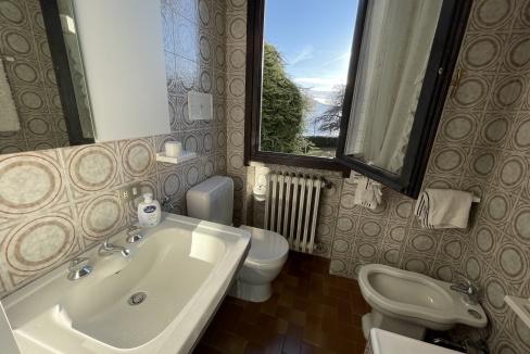 Appartamento Fronte Lago Gera Lario  - bagno
