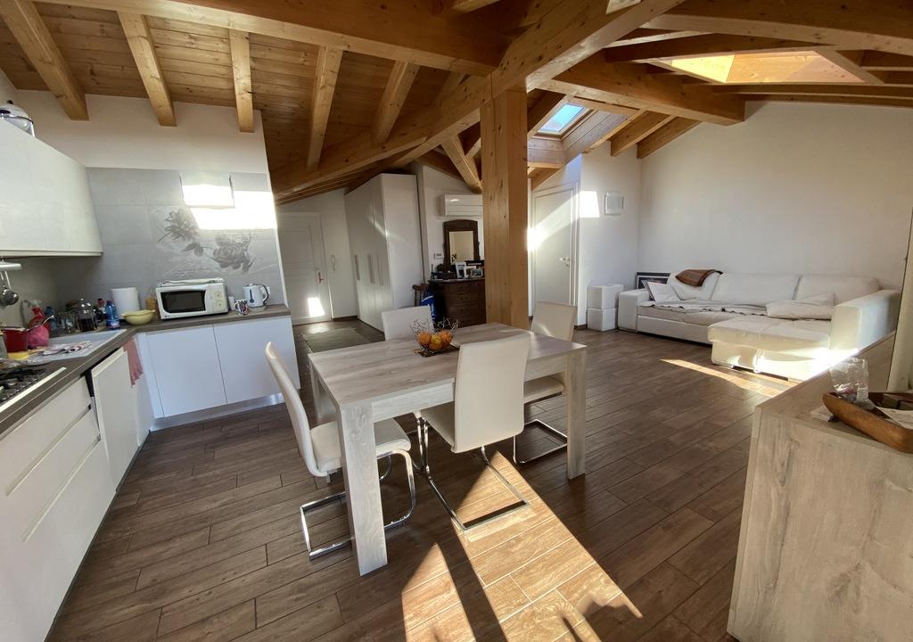 Lago Como Tremezzina Appartamento con Terrazzo - soggiorno