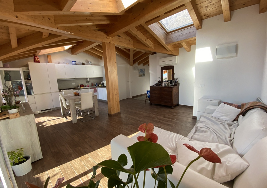 Lago Como Tremezzina Appartamento con Terrazzo - cucina