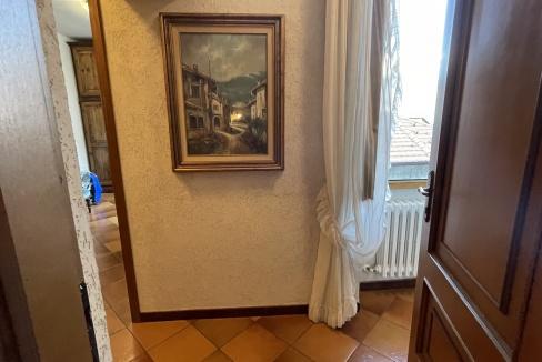Appartamento con Balcone Dongo Lago Como