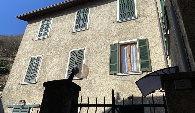Appartamento con Balcone Dongo Lago Como - esterno