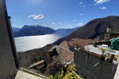 Carcente Bella Porzione di Casa con Favolosa Vista Lago - vista