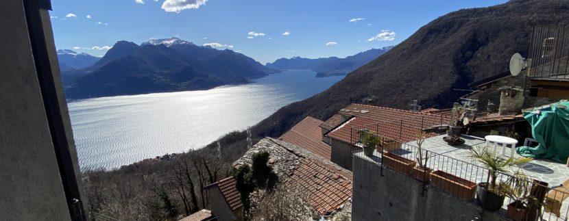 Carcente Bella Porzione di Casa con Favolosa Vista Lago