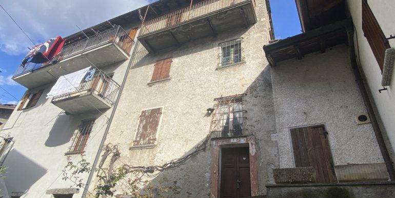 Tremezzina Casa di Paese con Balcone e Bellissima Vista Lago