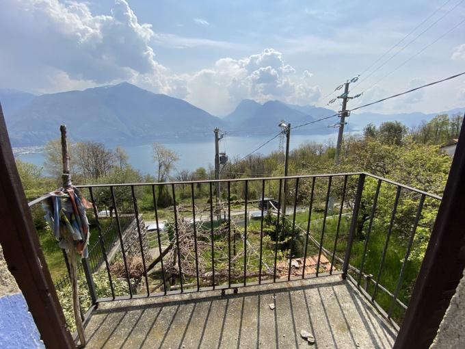 Rustico da ristrutturare con Favolosa Vista Lago e Giardino Privato - balcone