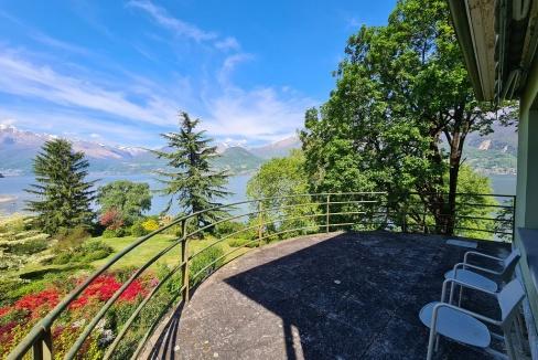 Villa di Lusso Colico Fronte Lago Como con Darsena