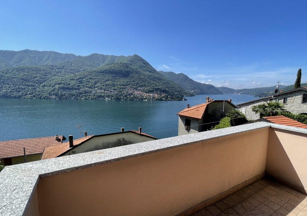 Carate Urio Bellissimo Appartamento con Stupenda Vista Lago (23)