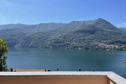 Carate Urio Bellissimo Appartamento con Stupenda Vista Lago (24)