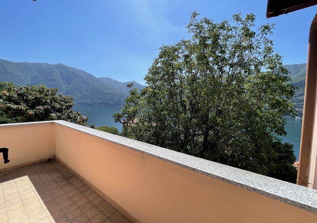Carate Urio Bellissimo Appartamento con Stupenda Vista Lago (25)
